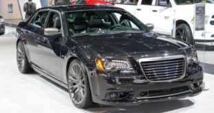 sedan CHRYSLER 300 LIMITED
